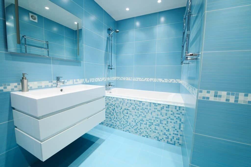 Bathtub surround