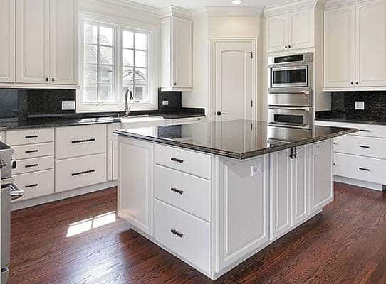 Saving Money with Cabinet Refacing