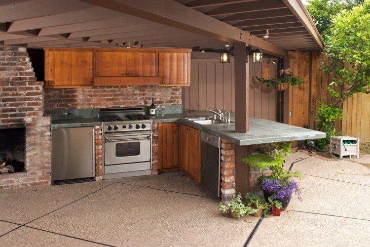 Outdoor Kitchen Area Design