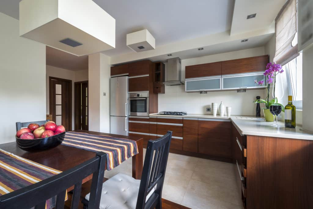 Ideas for Mixing and Matching Kitchen Cabinet Colors