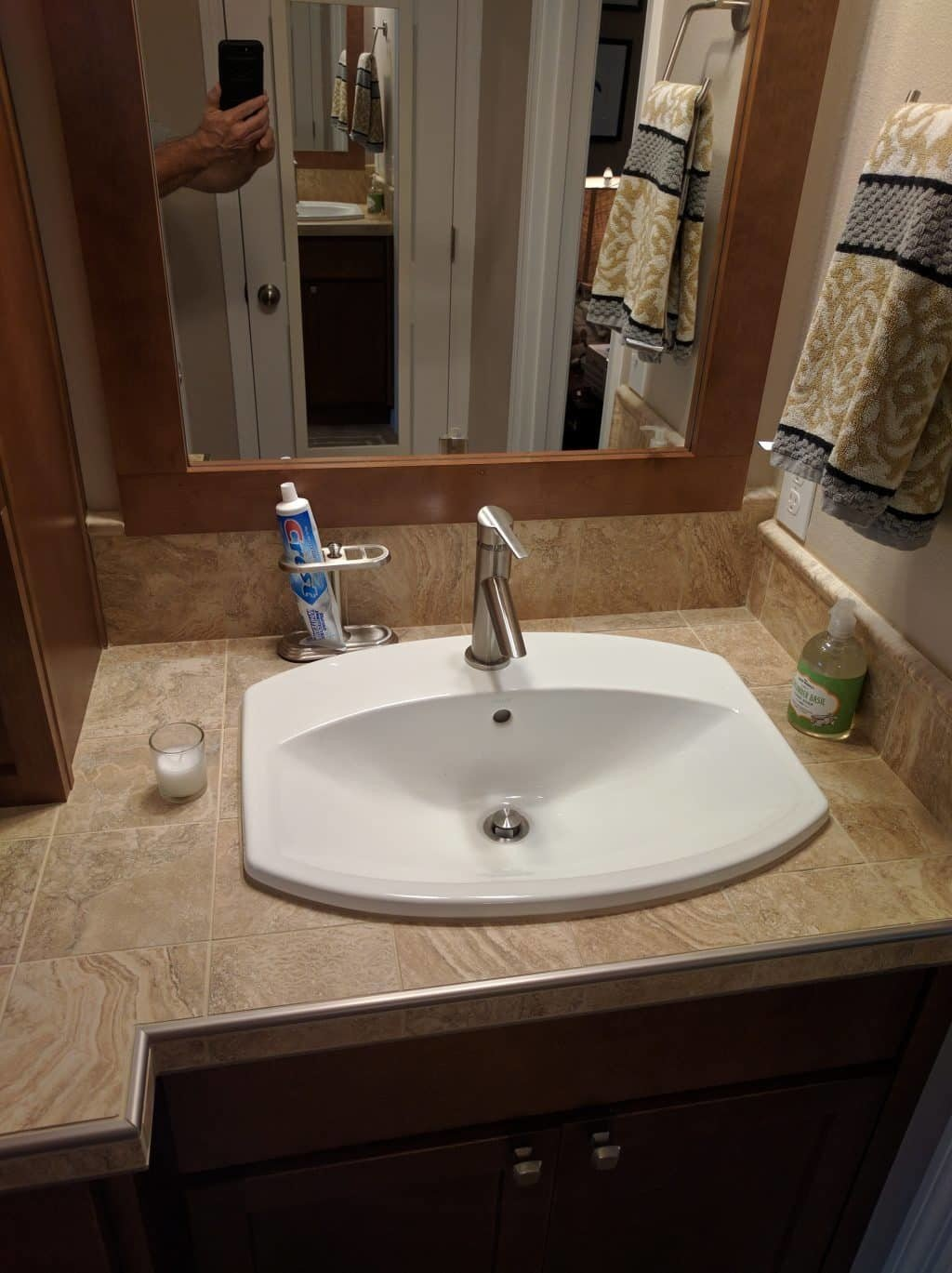 Tile Counter and Drop in Sink