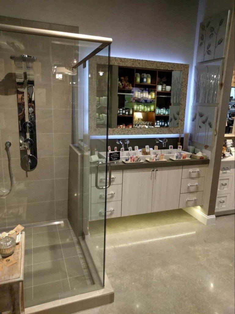 Bathroom Mirror TV