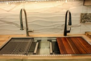 Ruvati Workstation Sink display
