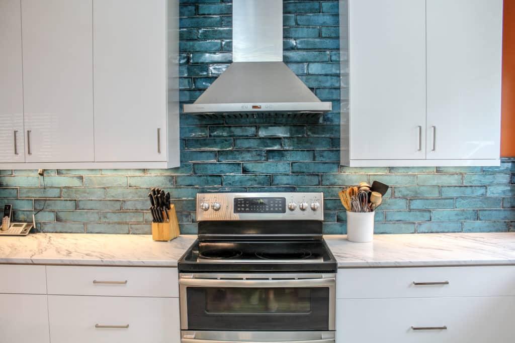 Range and Range Hood backsplash tile