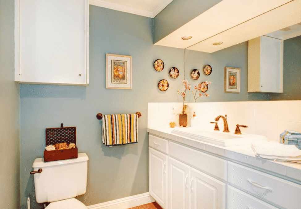 3 Tricks to Make Your Bathroom Feel as Comfortable as Possible